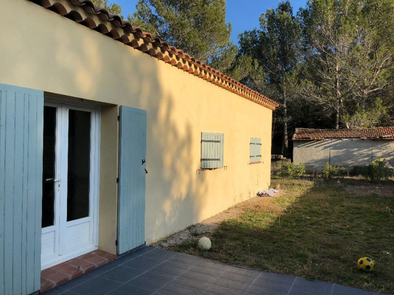 A louer Lambesc belle villa T4 avec jardin clos