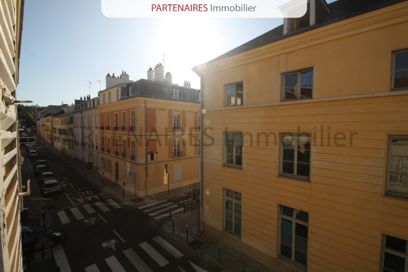 Sale apartment Versailles 180 000€ - Picture 1