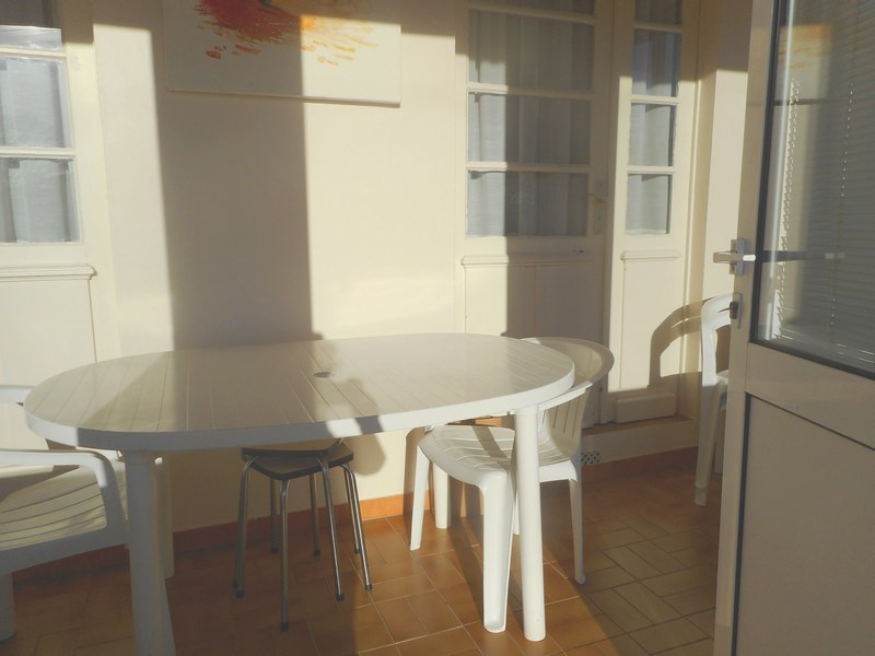 Vacation rental house / villa Saint-palais-sur-mer 500€ - Picture 9