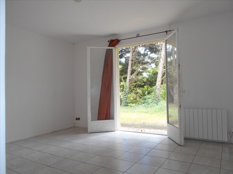 Rental apartment Le mesnil le roi 740€ CC - Picture 2