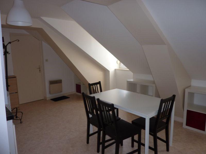Rental apartment Pontivy 322€ CC - Picture 2