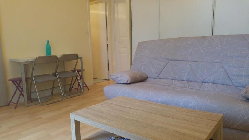 Rental apartment Vichy 350€ CC - Picture 2
