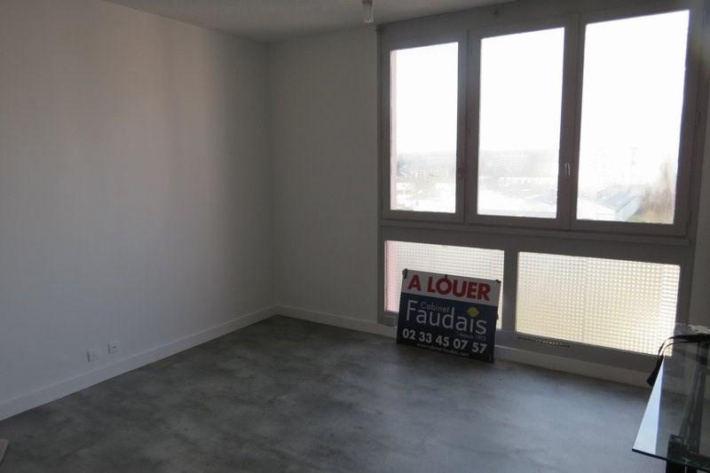Rental apartment St lo 340€ CC - Picture 1