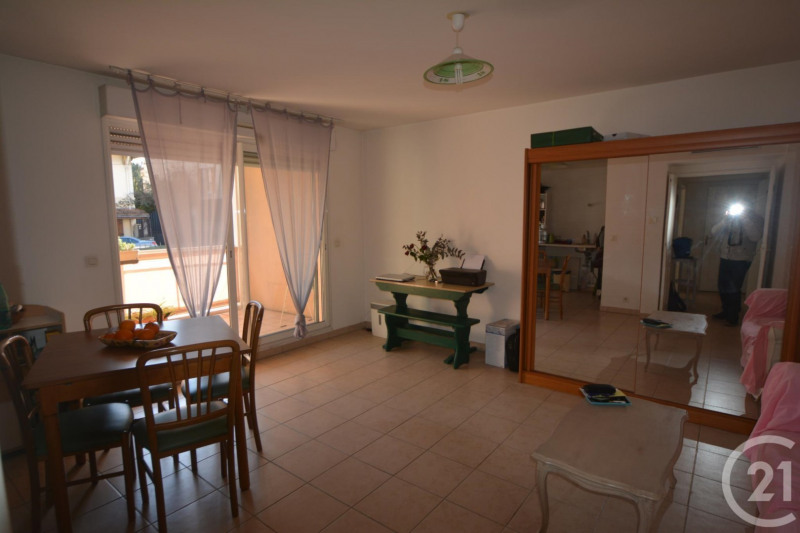 Sale apartment Antibes 210 000€ - Picture 1