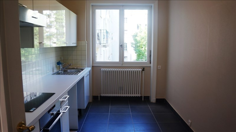 Location appartement Lyon 6ème 1 270€ CC - Photo 4