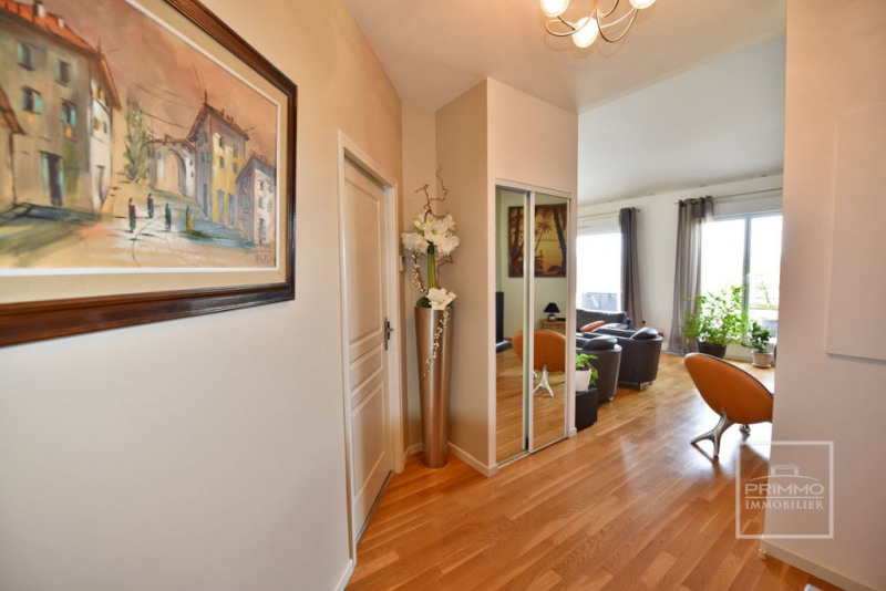 Deluxe sale apartment Charbonnieres les bains 925000€ - Picture 12