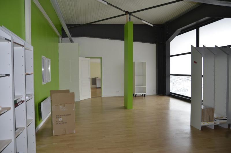 Location local commercial Concarneau 3300€ HC - Photo 3
