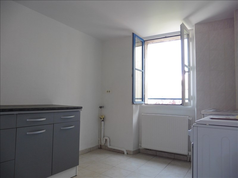 Rental apartment St germain en laye 731€ CC - Picture 2