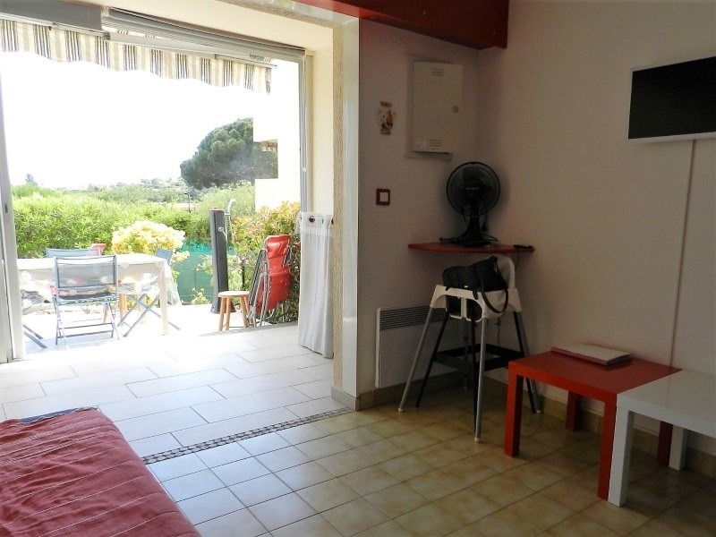 Sale apartment Le lavandou 248000€ - Picture 3