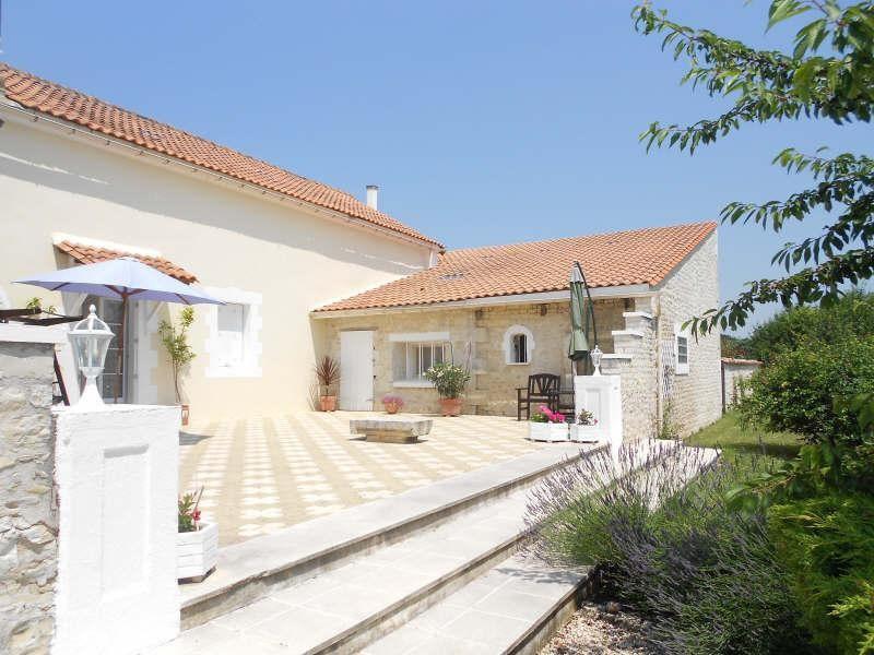 Sale house / villa Aigre 348000€ - Picture 2