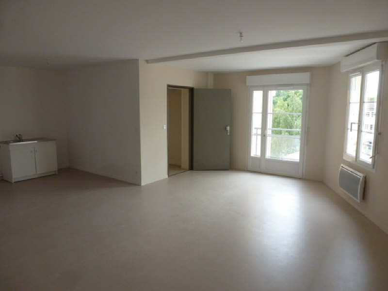 Rental apartment La ferte gaucher 710€ CC - Picture 3