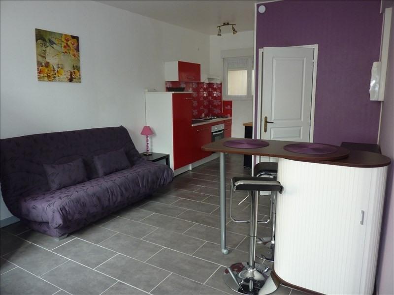 Rental apartment Vendome 327€ CC - Picture 1