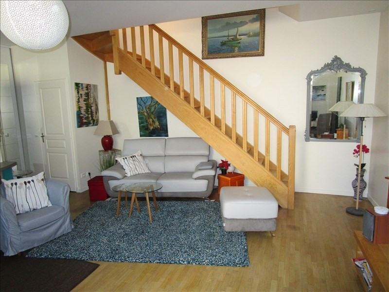Sale house / villa Montesson 365000€ - Picture 1