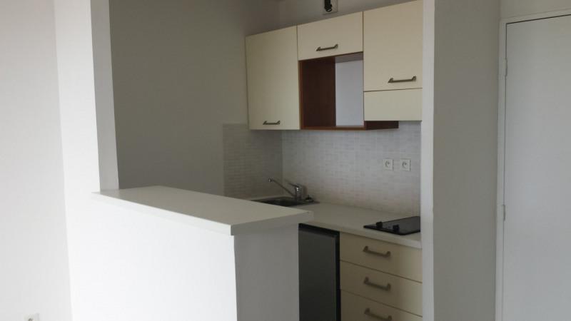 Location appartement Ste clotilde 605€ CC - Photo 3