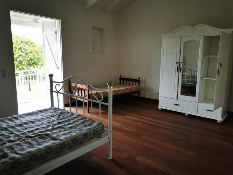 Location appartement Sainte anne 1000€ CC - Photo 3