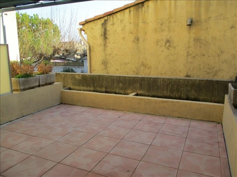 Verhuren  appartement Eyguieres 589€ CC - Foto 2