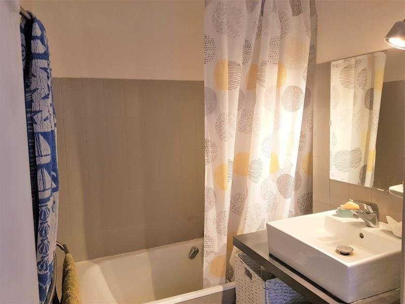 Sale apartment Charbonnieres les bains 187000€ - Picture 7