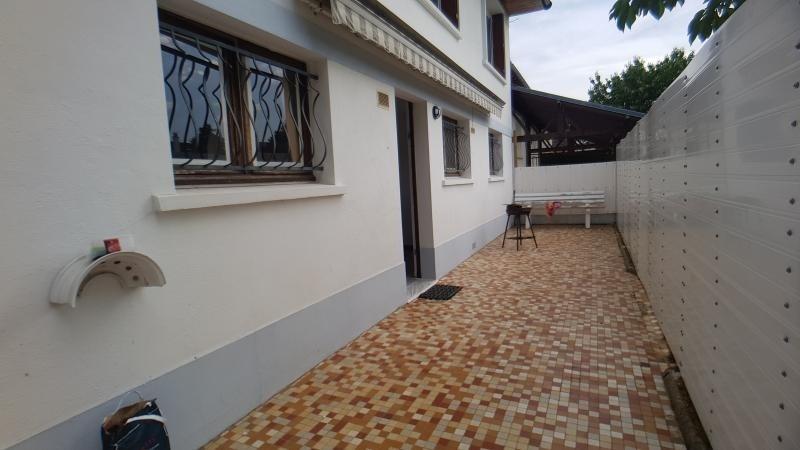 Rental apartment Pontault combault 1100€ CC - Picture 1