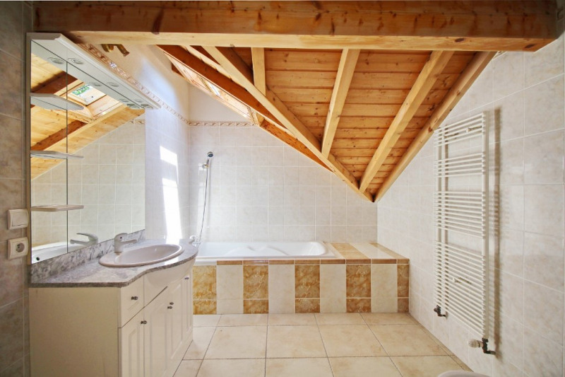 Deluxe sale house / villa Vetraz monthoux 657000€ - Picture 7
