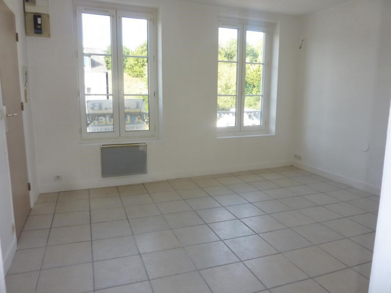 Rental apartment Lisieux 400€ CC - Picture 1
