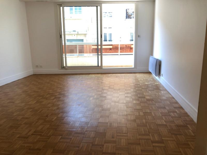 Rental apartment Paris 17ème 890€ CC - Picture 1
