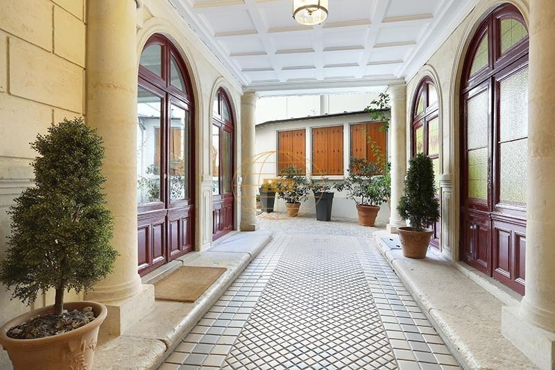 Vente de prestige appartement Paris 8ème 1800000€ - Photo 9
