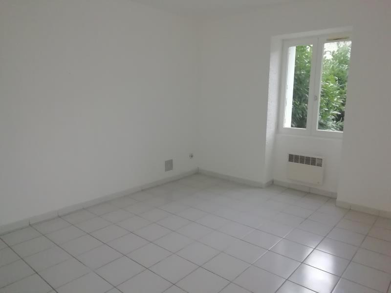 Rental apartment Vion 460€ CC - Picture 3