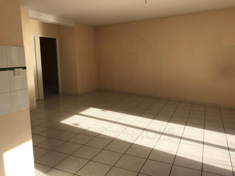 Rental apartment Saint andre de cubzac 693€ CC - Picture 2
