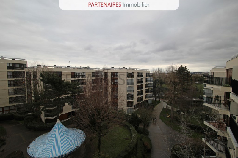 Sale apartment Le chesnay 264000€ - Picture 1