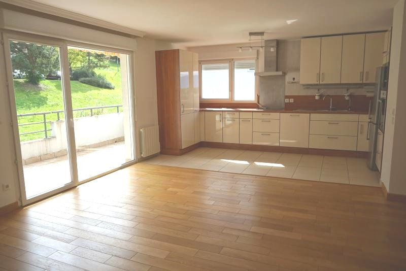 Sale apartment Bossey 389 000€ - Picture 1