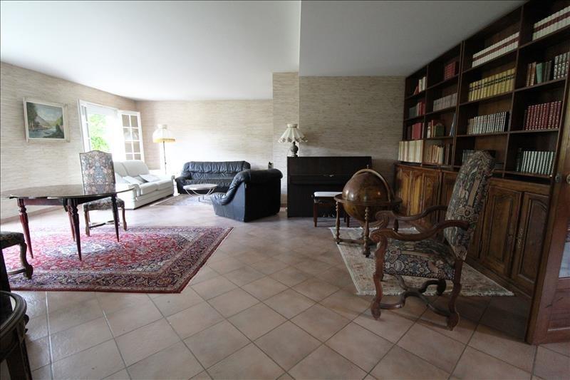 Sale house / villa Maurepas 546000€ - Picture 2
