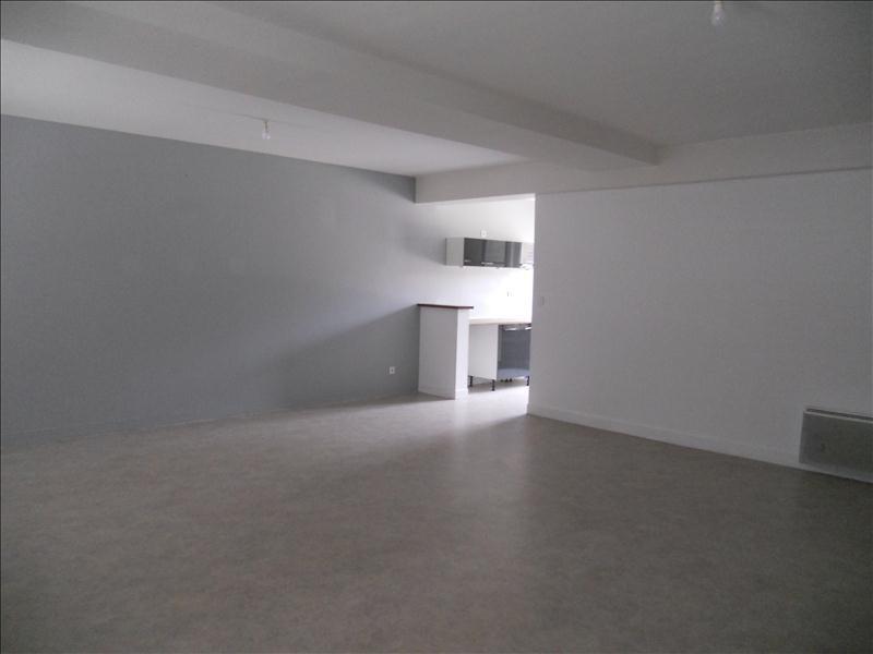 Rental apartment La ferte milon 640€ CC - Picture 1