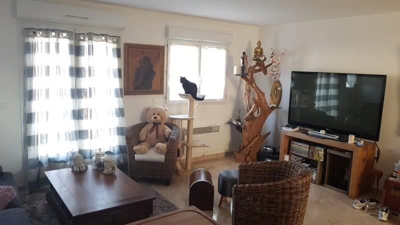 Rental house / villa Quincy voisins 895€ CC - Picture 3