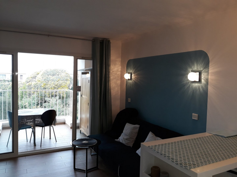 Vacation rental apartment Mer plages centre ville 510€ - Picture 2