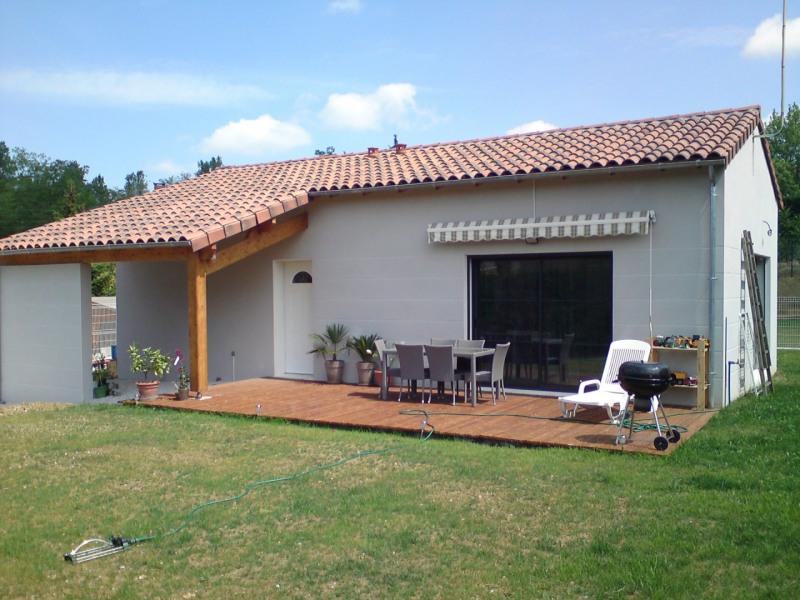 Location maison / villa Pechbonnieu 1000€ CC - Photo 1