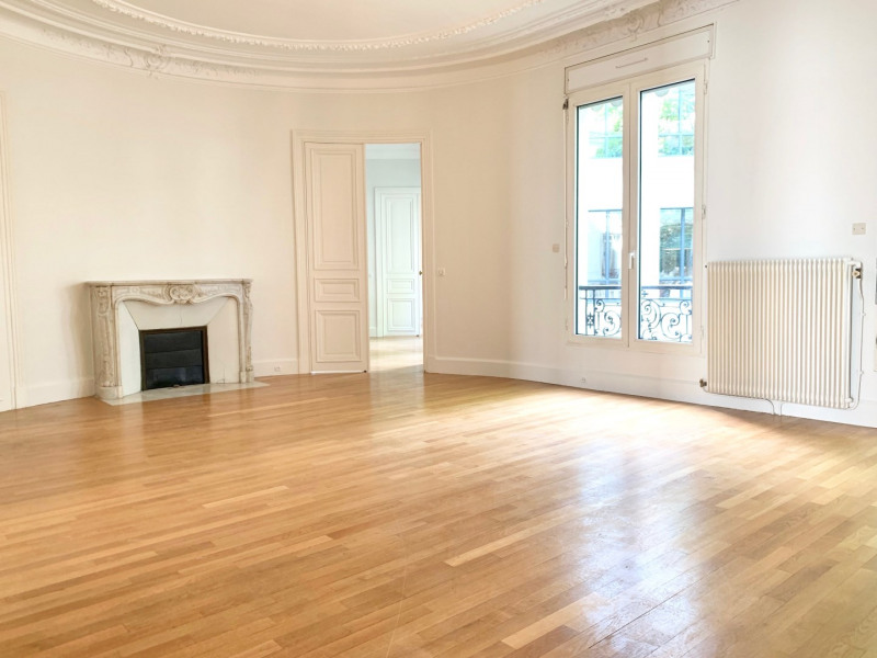 Rental apartment Paris 8ème 7 540€ CC - Picture 1