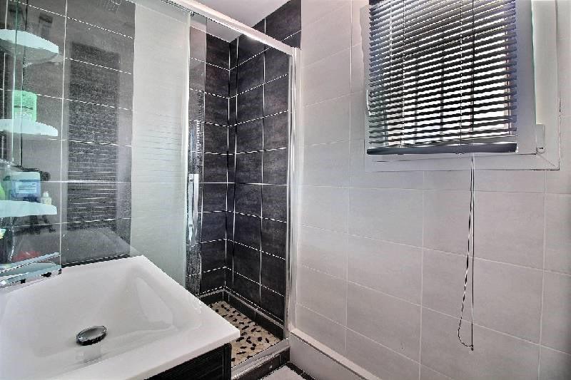 Vente maison / villa St genis laval 489000€ - Photo 8