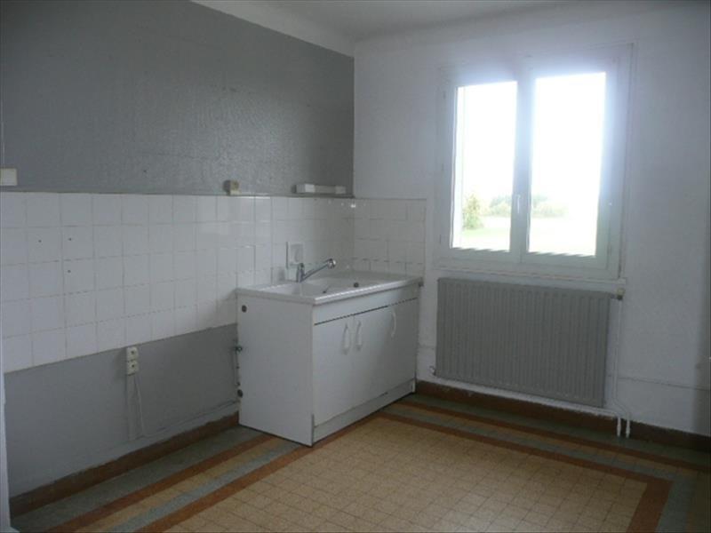 Rental apartment Lere 600€ CC - Picture 3