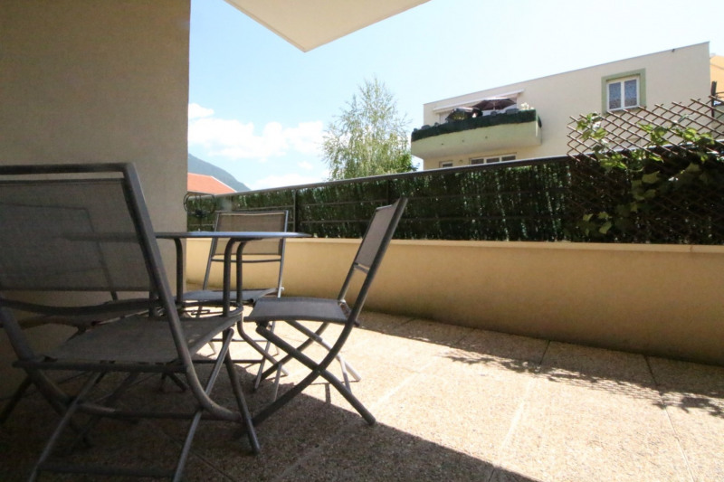 Sale apartment Fontaine 210000€ - Picture 2