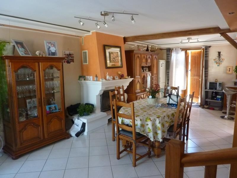 Vente maison / villa Crepy en valois 210000€ - Photo 2
