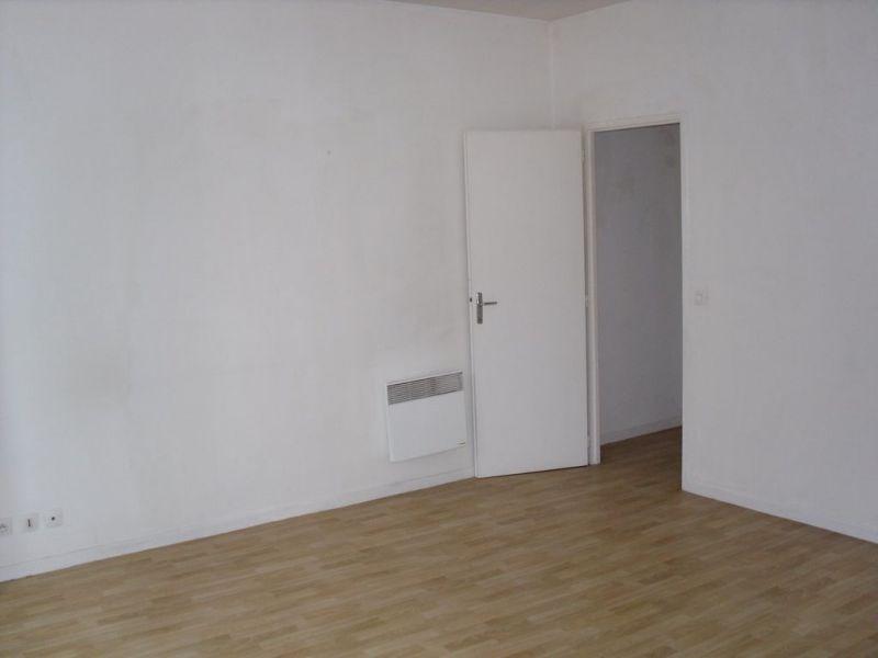Location appartement Armentieres 430€ CC - Photo 2