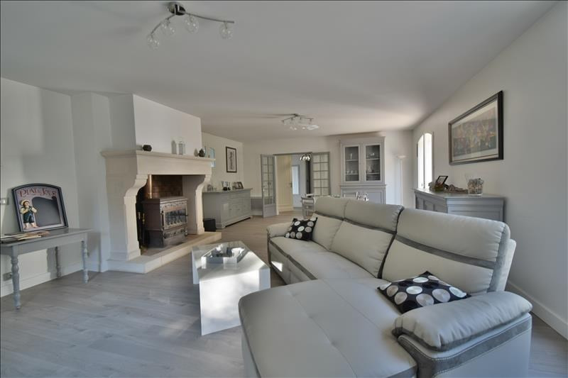 Deluxe sale house / villa Aressy 573000€ - Picture 2