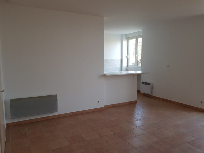 Rental house / villa Saint-morillon 650€ CC - Picture 4