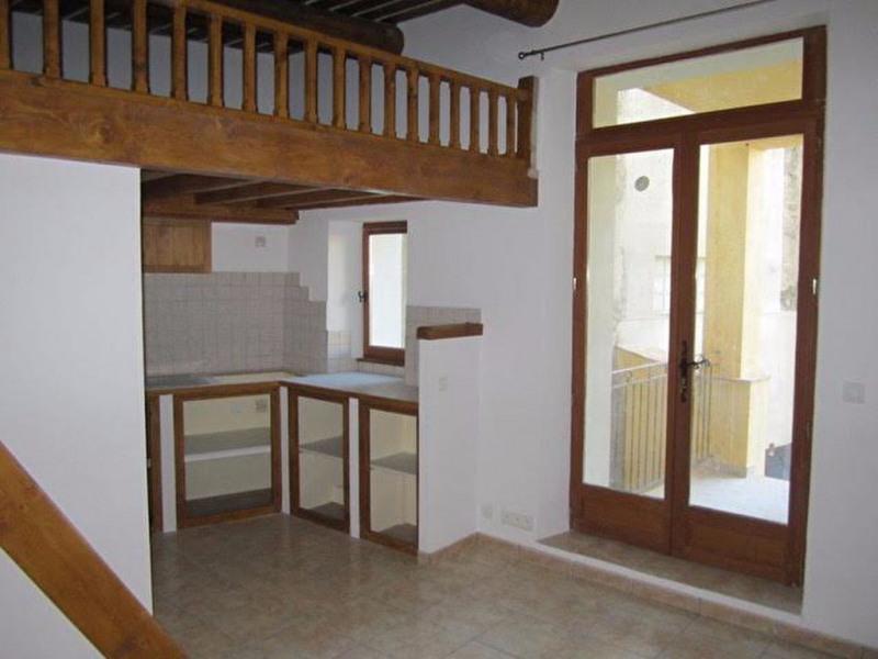 Rental apartment Lambesc 530€ CC - Picture 3