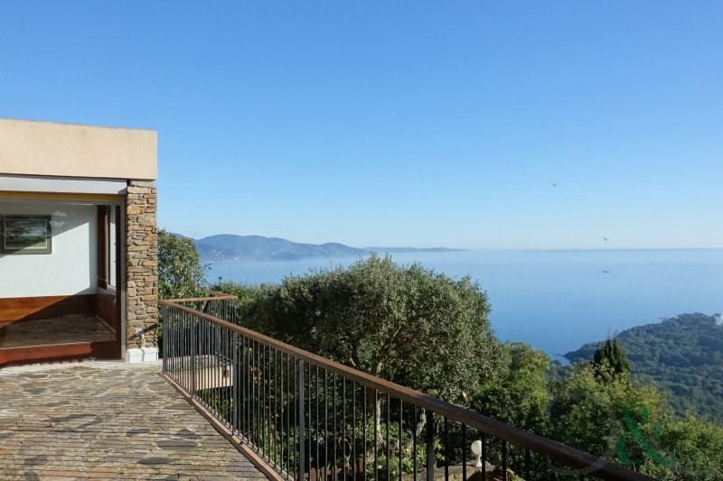 Villa Californienne aux village des Fourches avec vue mer pa