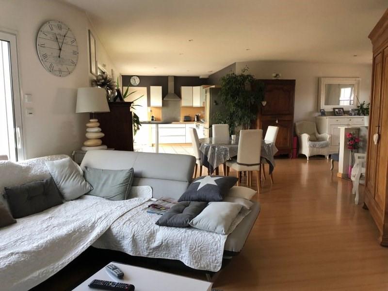 Sale house / villa St mathurin 268200€ - Picture 4
