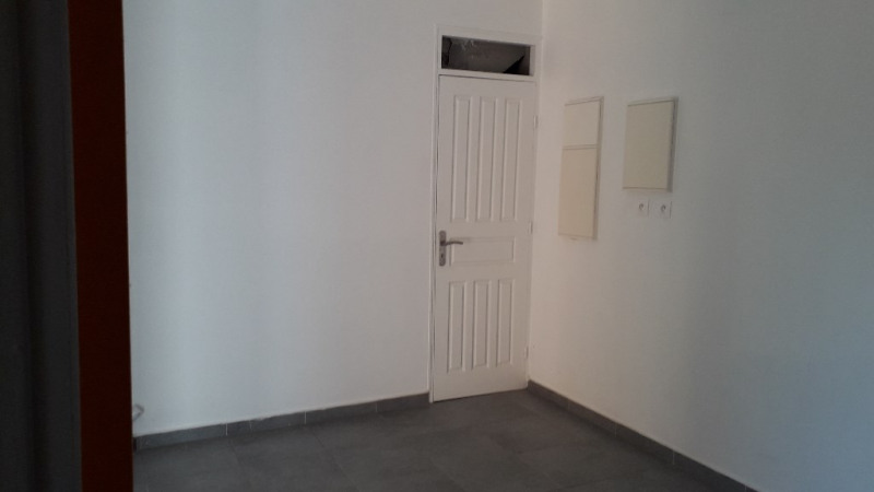 Location appartement Petit canal 800€ CC - Photo 6