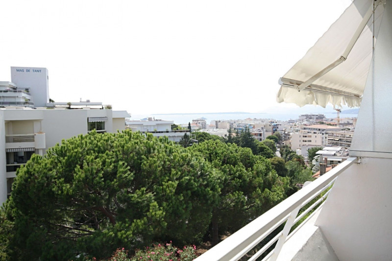 Sale apartment Juan-les-pins 480 000€ - Picture 1