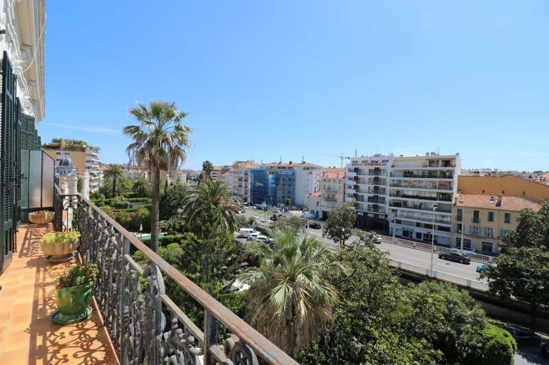 Deluxe sale apartment Cannes 555 000€ - Picture 1