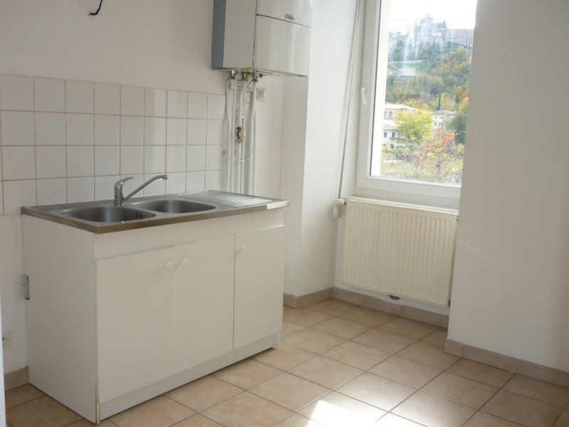 Location appartement Aubenas 389€ CC - Photo 3
